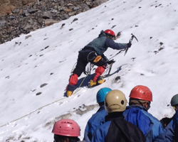 6 reasons for a hiker/trekker to attend a mountaineering course!