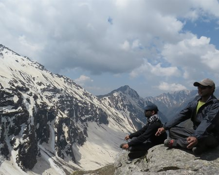 Can you find the ten hidden gems of Rupin Pass Trek?