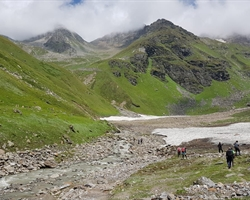Gunas Pass Trek
